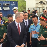 U.S. Ambassador Ted Osius and Senior Lieutenant General Nguyen Chi Vinh, Vietnam's Vice Minister of National Defense.