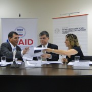 USAID/Paraguay Mission Director Fernando Cossich, Minister José Molinas of the Technical Planning Secretariat, and Uruguayan Con