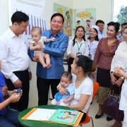 Lao Government Delegation Visits Vietnam Nutrition Experts ahead of National Institute of Nutrition Launch