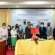 Vice Minister of the Ministry of Health Dr. Sanong Thongsana, and USAID Country Representative to Laos Michael Ronning witnessed the signing of the MoU for a new malaria program