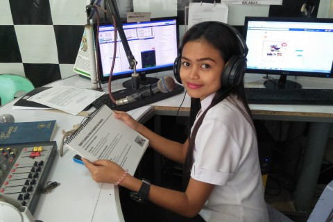 Health Service Provider Taps Radio Airwaves to Reach Rural Families in the Philippines