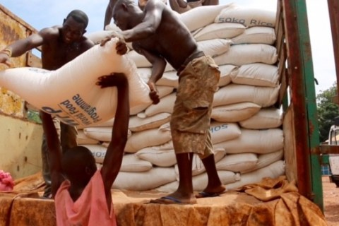 USAID partner UN World Food Program provides lifesaving aid to conflict-affected Central Africans.