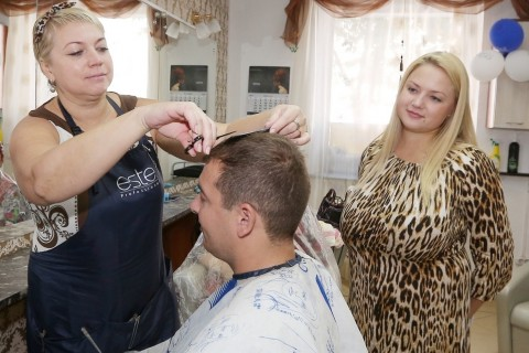 Ms. Varvara Aleksandrova (on the right) opened a beauty shop, which created 10 new jobs.