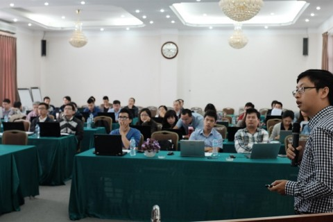 Cu Nguyen Khanh leading a session during a recent HVAC training under the USAID Vietnam Clean Energy Program.