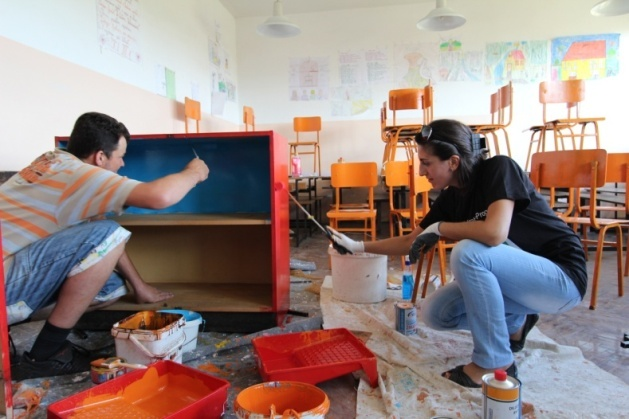 Communities Work Together to Breathe New Life into Kosovo's Schools