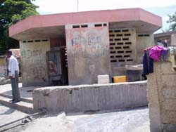 This water kiosk in Petit Goâve was broken, requiring the city to turn off the water to it.
